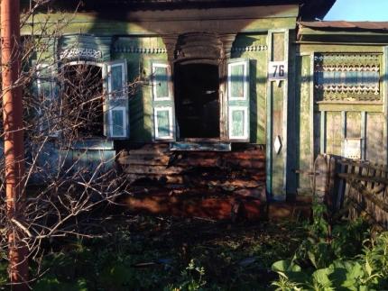 Пожар произошел ранним утром 15 июня в частном доме по улице Кирова. О возгорании сообщили очевид