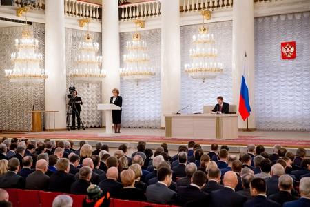 В Колонном зале Дома союзов собрались сенаторы, депутаты Госдумы, спикеры региональных Заксобрани