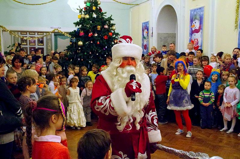 Первыми начнут новогодние утренники в Челябинском театре кукол. Уже не первый год здесь пользуетс