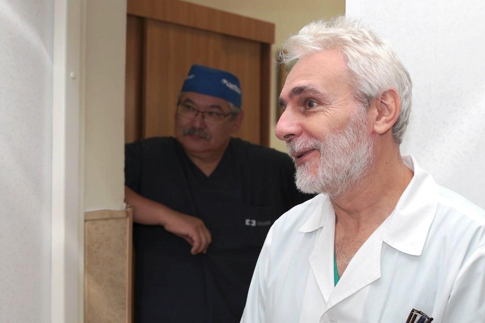 Они начали проводить операции по удалению опухолей печени методом радиочастотной абляции. Первые