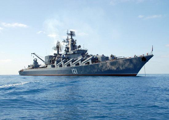 Как сообщил начальник Главного оперативного управления Генштаба РФ Сергей Рудской, корабль выдвин