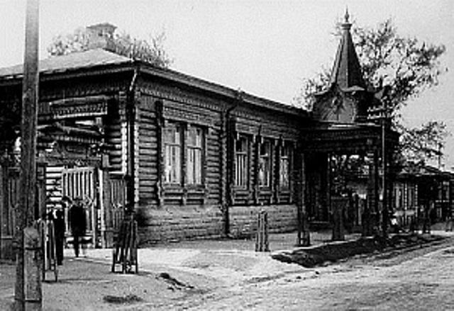 Как стало известно агентству «Урал-пресс-информ», ранее построенный в 1906 году бревенчатый особн