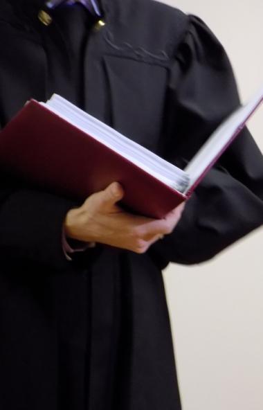 В Челябинске в суд передано дело в отношении бывшего судебного пристава Дмитрия Дубынина, который