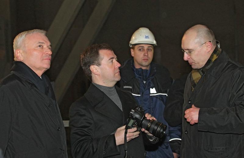 Как сообщили в пресс-службе правительства, в рабочую поездку с главой кабмина направились вице-пр