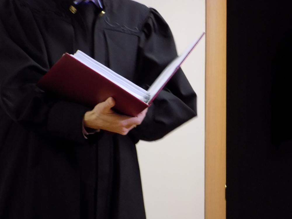 Центральный районный суд Челябинска 17 апреля освободил из-под домашнего ареста Орехова, Орехову,