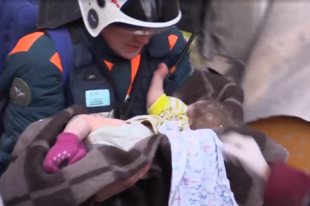 Чудом спасенный из-под завалов жилого дома в Магнитогорске (Челябинская область) Ваня Фокин пройд