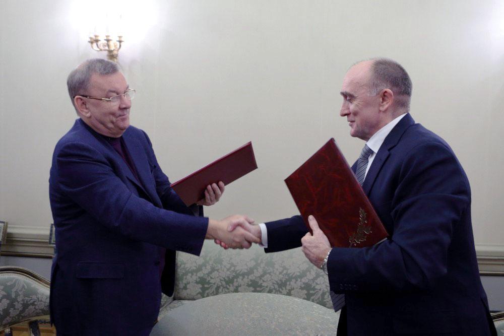 Свои подписи под документом поставили губернатор Борис Дубровский и генеральный директор Большого