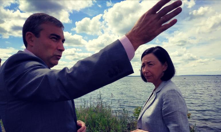 Глава Ленинского района Челябинска Александр Орёл заявил, что не допустит подрезки деревьев «под