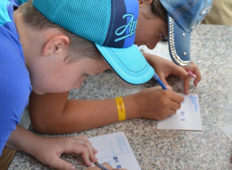 Двое школьников Челябинской области отправятся в международный детский центр «Артек» почтовыми ко
