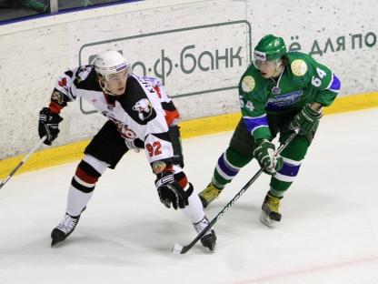 Данила Алистратов стал вторым вратарем в стартовом протоколе «Белых медведей». Вновь из-за дисква