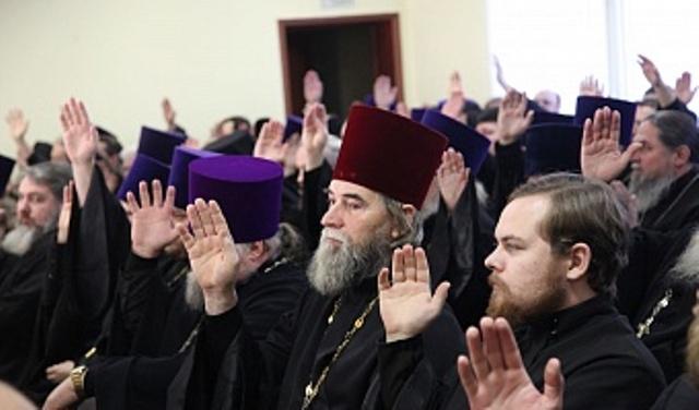 Как сообщил агентству «Урал-пресс-информ» настоятель Свято-Троицкого храма Челябинска, протоиерей