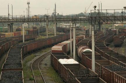 Течь неэтилированного бензина (сорок капель в минуту) из железнодорожной цистерны объемом 60 тонн