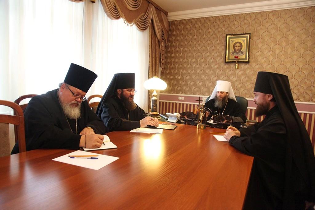 Архиерейский совет епархий, входящих в состав Челябинской митрополии в составе митрополита Челяби