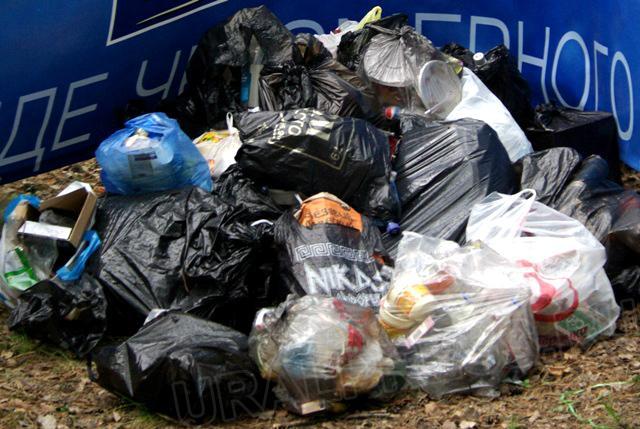 Власти Челябинска заявили, что полностью очистили контейнерные площадки города от гор мусора. И с