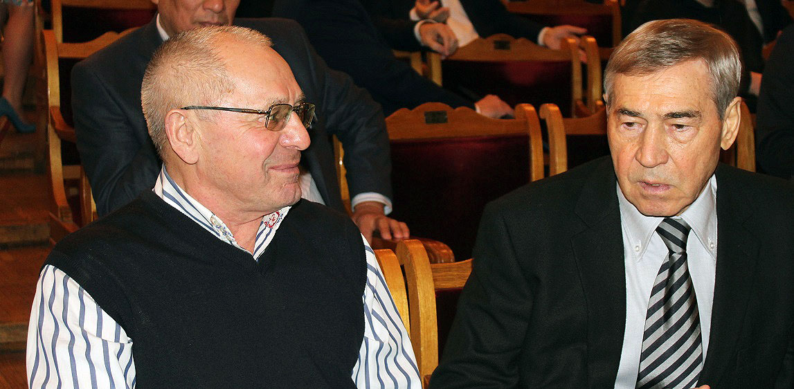 Накануне губернатор Михаил Юревич встретился с президентом РМК Всеволодом Левиным, осмотрел уже д