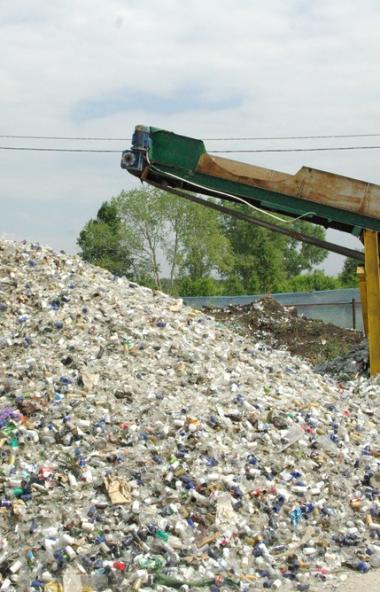 В России мусорная реформа получила свое продолжение в инициативе по запрету захоронения пищевых о