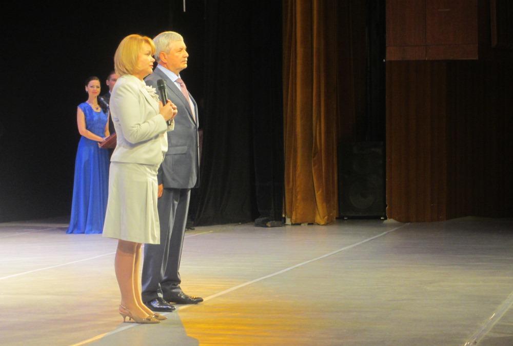 Как сообщила министр социальных отношений Челябинской области Татьяна Никитина, в торжествах прин