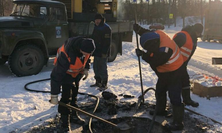 В Ленинском районе Челябинска произошла крупная коммунальная авария на водоводе. Без воды остаютс
