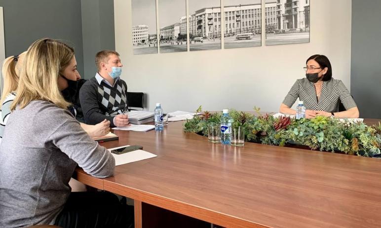 Глава Челябинска Наталья Котова встретилась с инвалидом-колясочником Сергеем Сты