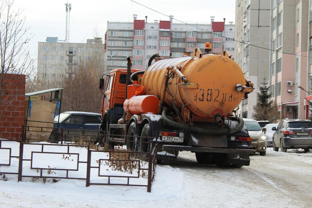 В Челябинске утром девятого января произошло два крупных коммунальных ЧП.