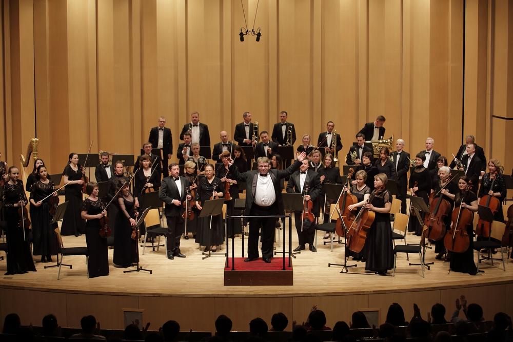 Солисты и симфонический оркестр челябинского театра оперы и балета имени Глинки готовится к гранд