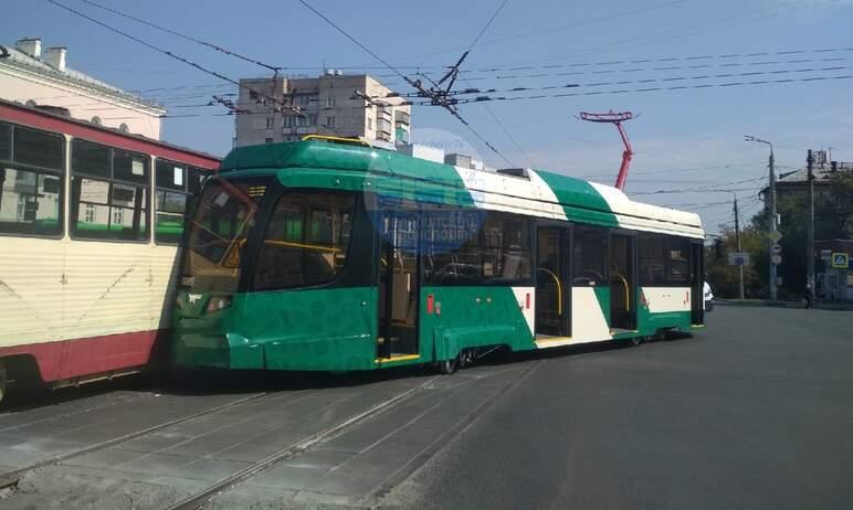 В Челябинске сегодня днем, первого сентября, на пересечении проспекта Победы и Свердловского прос