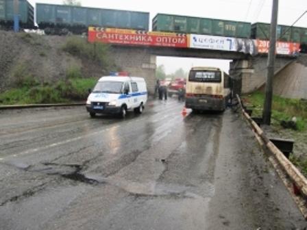 ДТП случилось сегодня, 16 мая, в 8 часов 20 минут в районе дома №23 по Троицкому тракту Челябинск