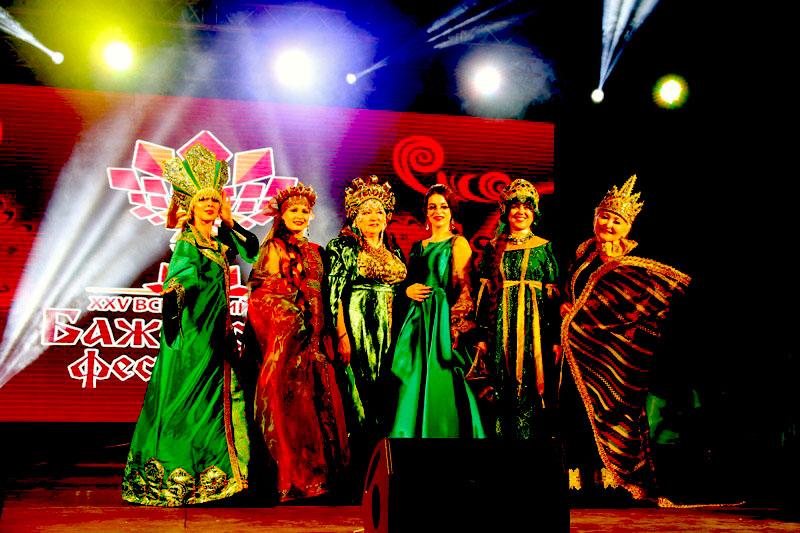 Участниками фестиваля в этом году стали более 600 ремесленников и 350 творческих коллективов из 5