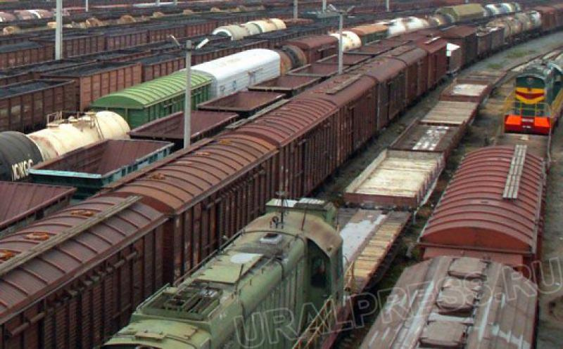 По данным издания, утром в четверг на 410 километре перегона Дзержинск — Игумново сошли с рельс