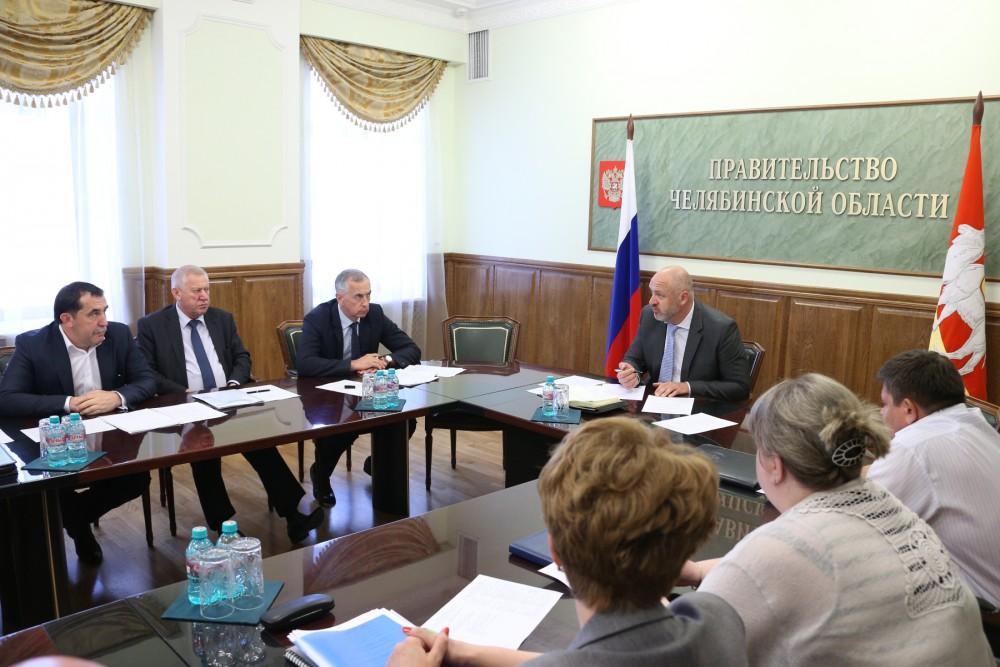 Обманутые дольщики третий день подряд пикетируют резиденцию губернатора Челябинской области.