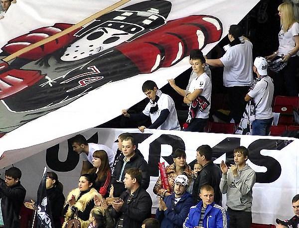 Магнитогорский «Металлург», который играл перед своими болельщиками, принимал «Динамо» из столицы