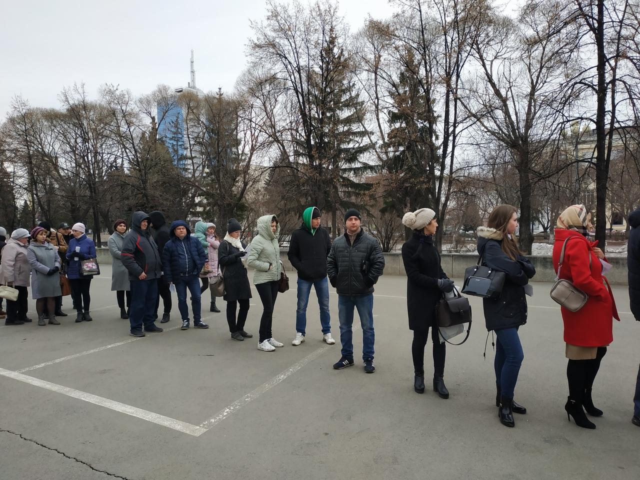 По информации пресс-службы ГУ МЧС России по Челябинской области, спасением мужчины занимался свод