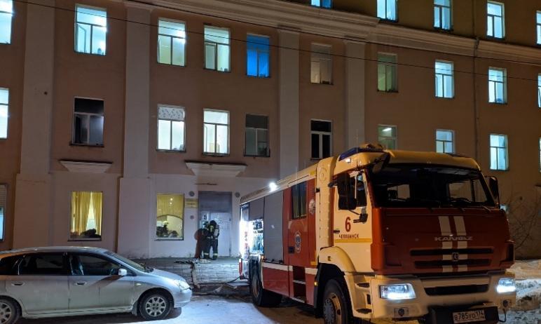 В Челябинской областной клинической больнице №2 Челябинска в одной из палат загорелся матрац. Опе