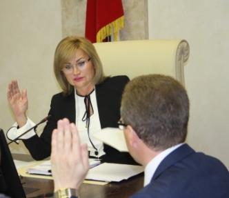 С учетом переданных вакантных мандатов депутатами по единому округу зарегистрированы 30 депутатов