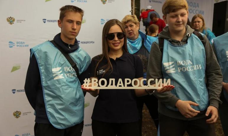 Сегодня, 24 июля, в рамках Всероссийской акции «Вода России» берега и дно озера Тургояк (Челябинс