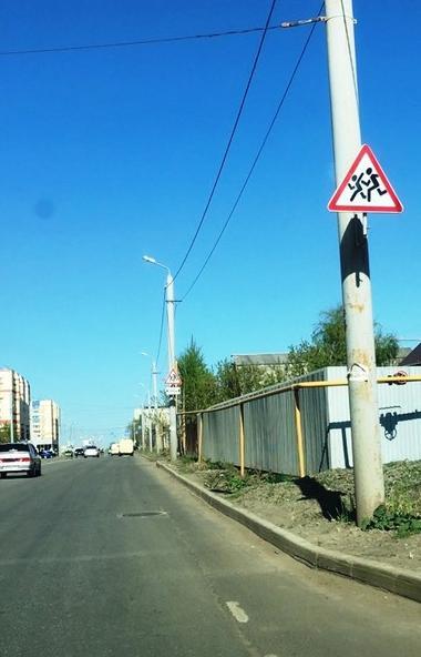 В Челябинске жители поселка Чурилово остаются без пешеходных тротуаров из-за отсутствия про