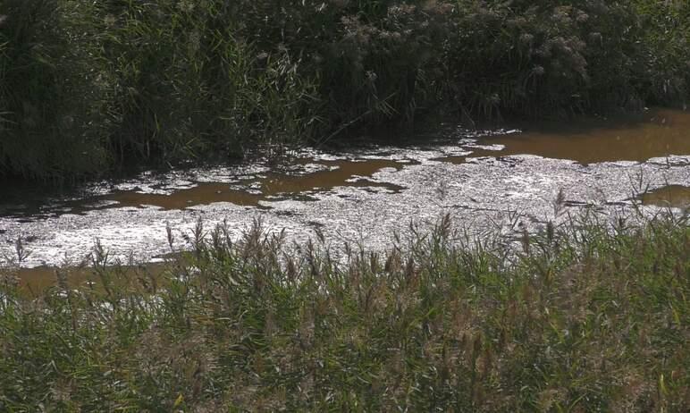 В поселке Кадровик Копейска (Челябинская область) канализационные воды продолжают подтапливать те