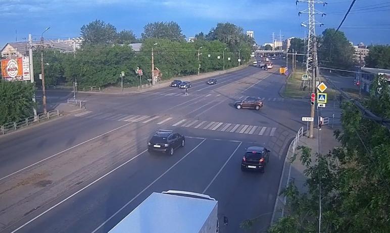 В четверг, 17 июня, в Челябинске трижды останавливали движения трамваев. Причиной стал сход вагон