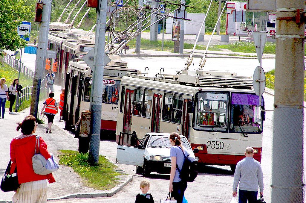 Троллейбусы маршрута № 7 проследуют по трассе «ЧМК – Першино – ЧМК». Троллейбусы № 12 напр