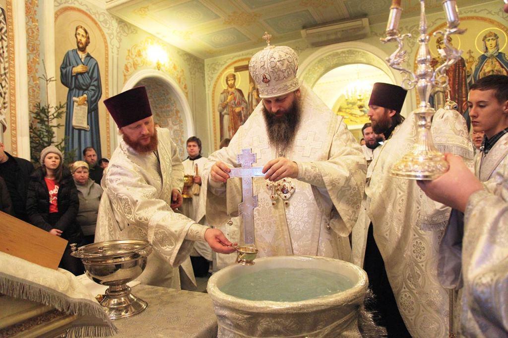 В Крещенский сочельник, митрополит Челябинский и Златоустовский Никодим совершил литурги