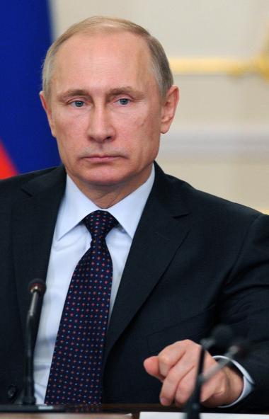 Президент России Владимир Путин предложил предусмотреть «каникулы» по потребительским и ипотечным