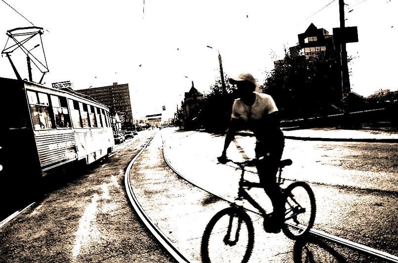 В Челябинске вчера, 29 августа, в ДТП пострадали два ребенка на велосипедах. В обоих случаях дети