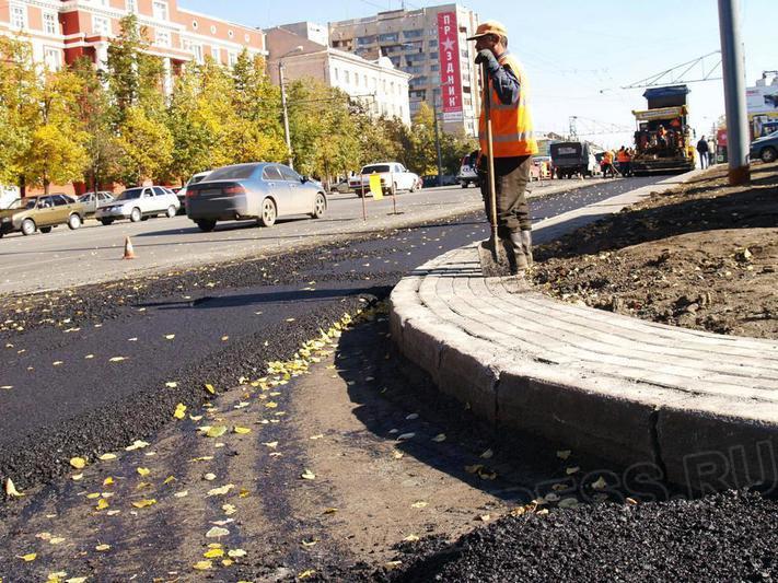 Дорожники отремонтируют около 100 тысяч квадратных метров проезжей части, сообщил в понедельник,