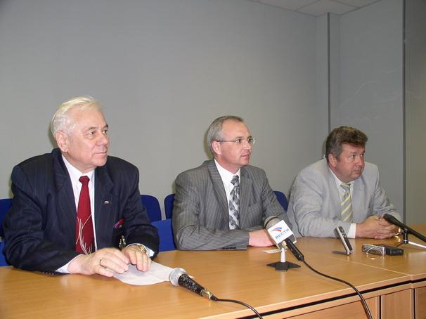 Встречей с прессой завершился визит, посвященный возобновлению работы центра нейтронной терапии (