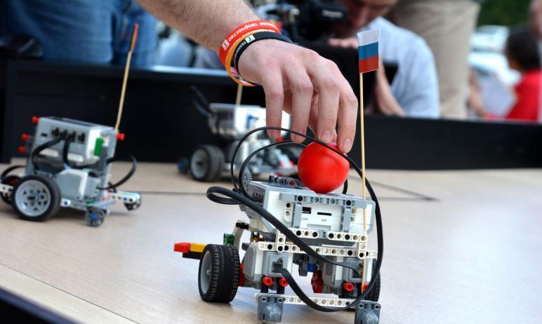 Роботы из Челябинска точно предсказалисчет игры сборных по футболу России и Бельгии на Чемп