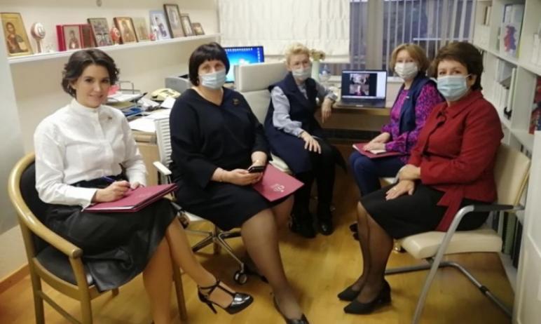 Сенатор РФ от Челябинской области Маргарита Павлова вошла в состав нового подкомитета по семейной