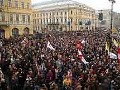 Совет Федерации одобрил поправки, корректирующие правила проведения митингов и шествий в новой ре