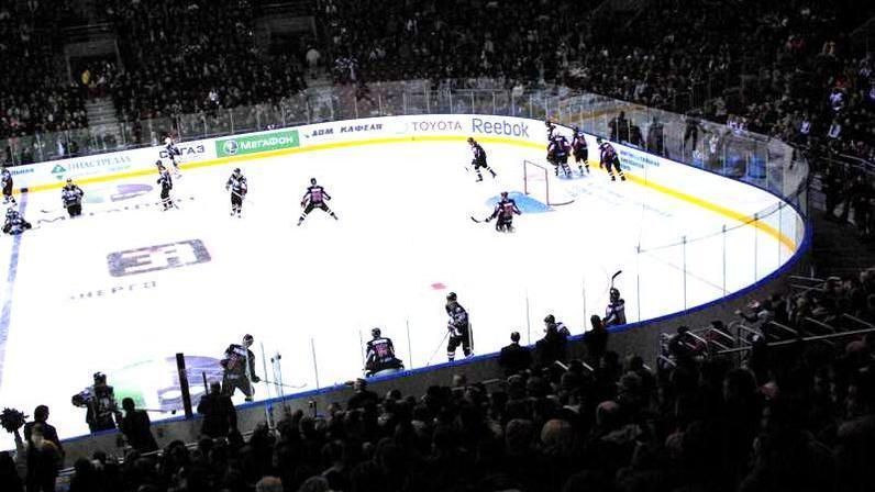 Первый матч после перерыва в регулярном чемпионате КХЛ оказался крайне неудачным для челябинского