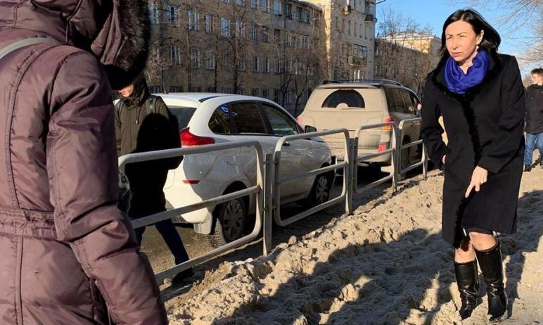 Мэр Челябинска Наталья Котова в воскресенье, 31-го января, прогулялась по центру родного города и