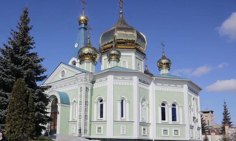 Митрополит Челябинский и Миасский Григорий 28 марта совершил Литургию святителя Василия Великого